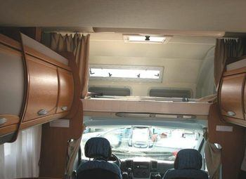 Riviera Garage 3.0 Mj Camper  Mansardato Usato - foto 2