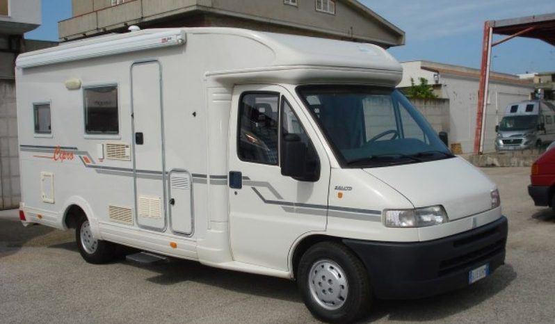 Caravans International Cipro 1 Camper  Parzialmente Integrato Usato