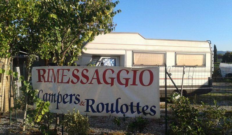 Area Rimessaggio Camper Barche E Roulottes Camper  Roulotte Usato