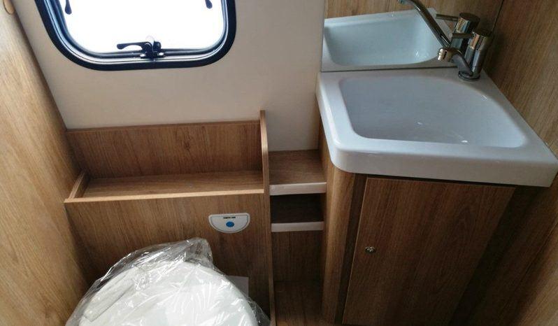 Caravans International Horon 65 Xt Camper  Parzialmente Integrato Nuovo - foto 24