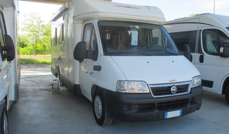 Caravans International Elliot 15p Camper  Parzialmente Integrato Usato
