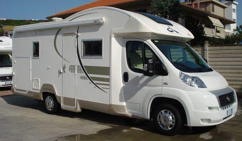 Caravans International X-til Garage S Camper  Parzialmente Integrato Usato