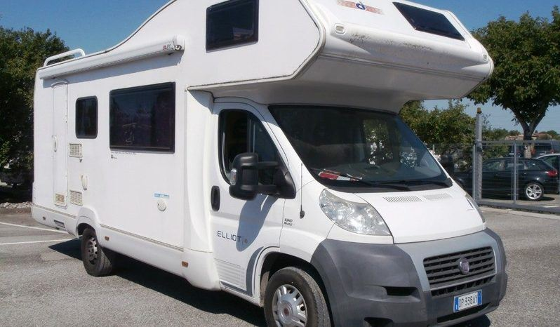 Caravans International Elliot 40 Camper  Mansardato Usato