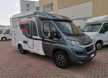 Foto Burstner Travel Van T 590 G - Anno 2017 Camper  Parzialmente Integrato Usato