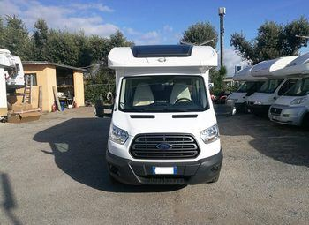 Caravans International Elliot 98 Xt Camper  Parzialmente Integrato Usato