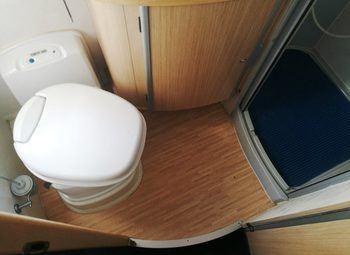 Mobilvetta Kimu 102 - Monoscocca Camper  Mansardato Usato - foto 21