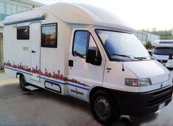 Foto Wingamm Oasi 620 Camper  Parzialmente Integrato Usato