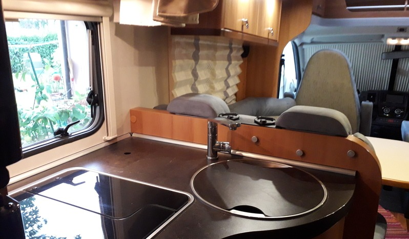 VENDO CAMPER HYMER EXCLUSIVE LINE 2 X2 /SEMI-INTEGRALE-KM49MILA/USATO /IMMATR.06/2012 - foto 16