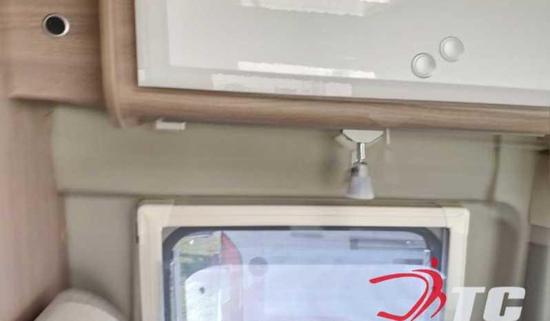 Laika Kosmo Campervan Kosmo Camper Van 5.4 Camper  Parzialmente Integrato Nuovo - foto 14