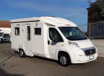 Caravans International Riviera 105p Semintegrale Corto Camper  Parzialmente Integrato Usato